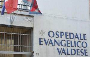 Fiaccolata per l'Ospedale Valdese di Torino